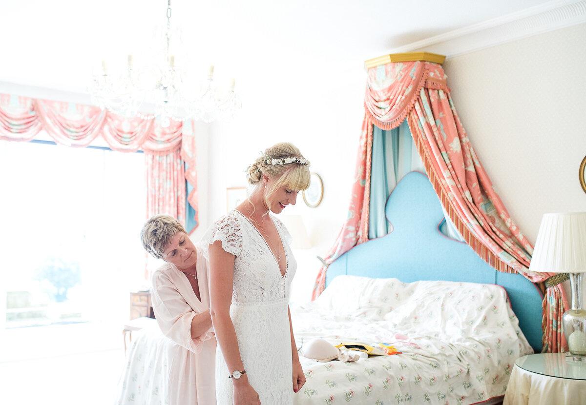 Zoe & Jonny - Wadhurst Castle-20.jpg