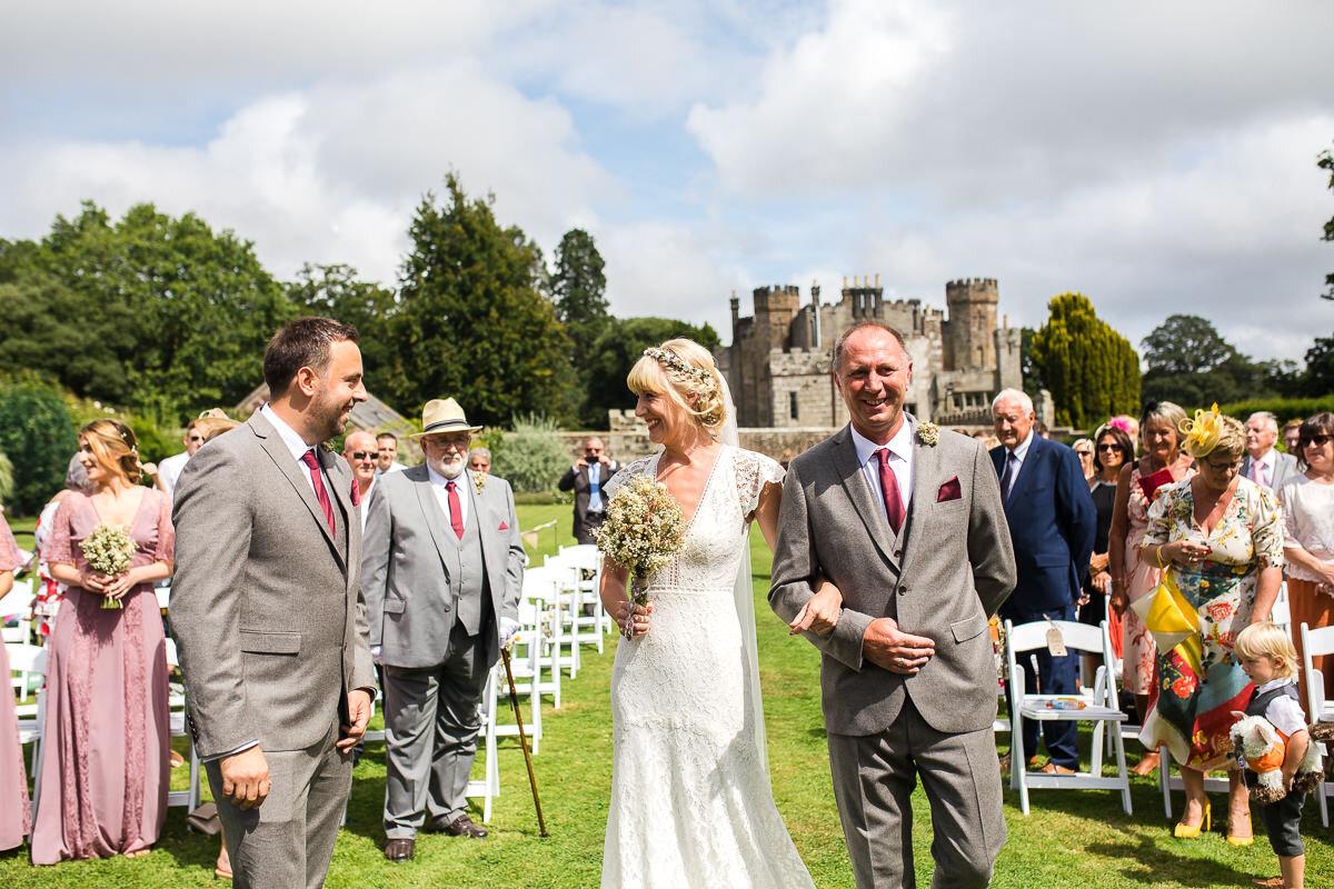 Zoe & Jonny - Wadhurst Castle-37.jpg