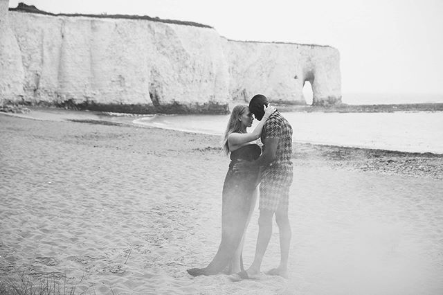 Lovely little maternity shoot at Kingsgate bay, broadstairs. Getting my head around the Fuji x series so excited by this camera! #fujixt3  Hanging out with the awesome @tomjeavons . . . . . . . . . . . . #maternity #maternityportraits #maternityphotographer #maternitysession #maternitystyle #maternityphotoshoot #maternitydress #maternityshoot #maternityphotography #mommytobe #portraitphotography #thatsdarling #instagood #flashesofdelight #love #bumpshot #motherhoodthroughinstagram #motherhood #pregnantbelly #maternityphotographer #beach #beachadventures #kentphotography #kentphotographer