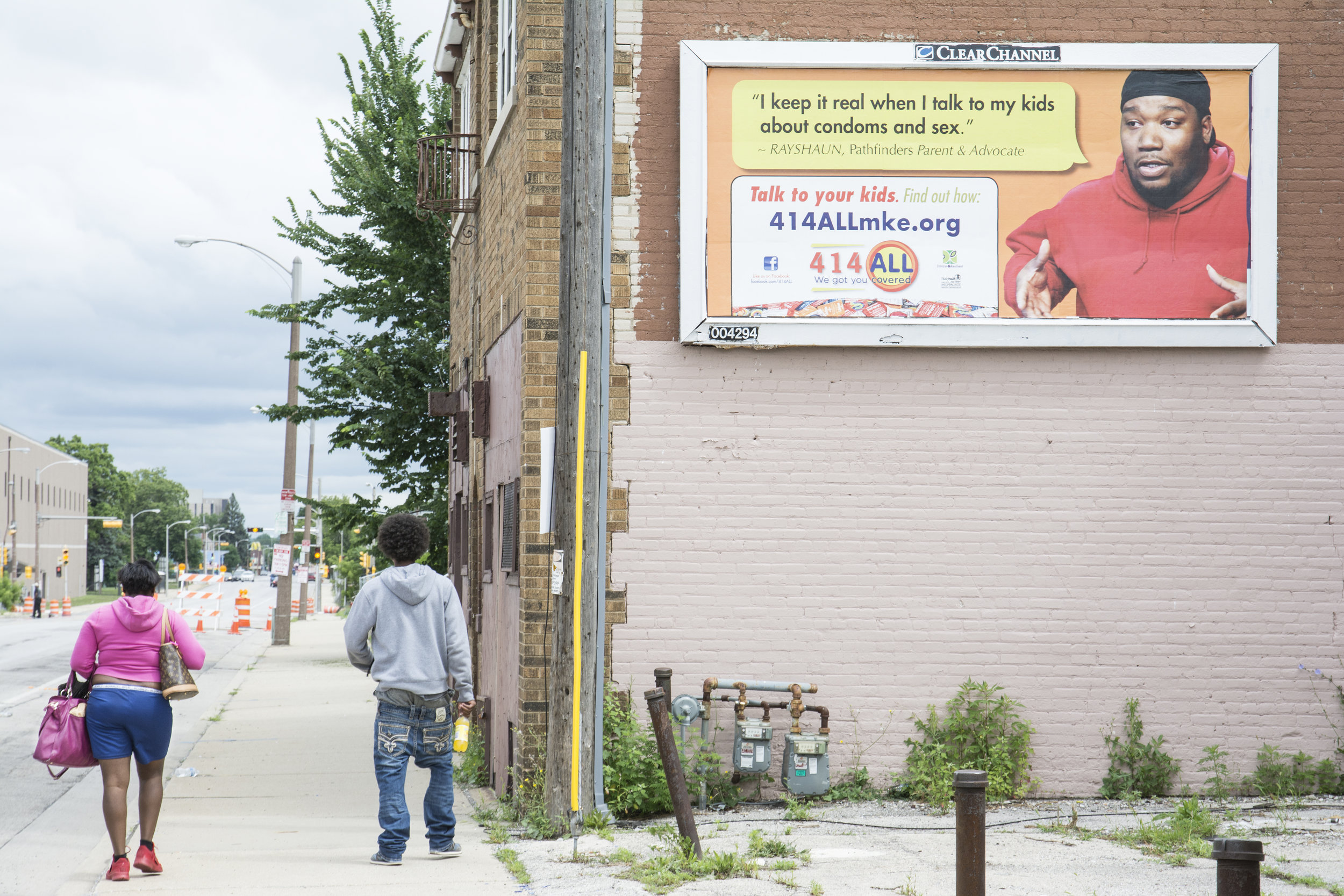 Unprotected sex is a problem in the inner city of Milwaukee. That's why a few black leaders act as advisers for safe sex. An additional problem is that in some inner city high schools, being pregnant is the sign of status.