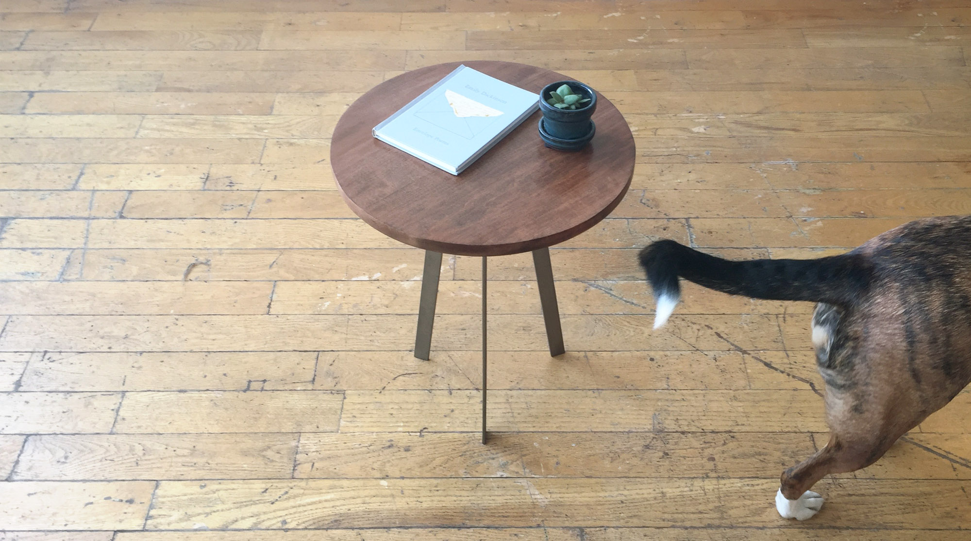 Accent Table 4.jpg