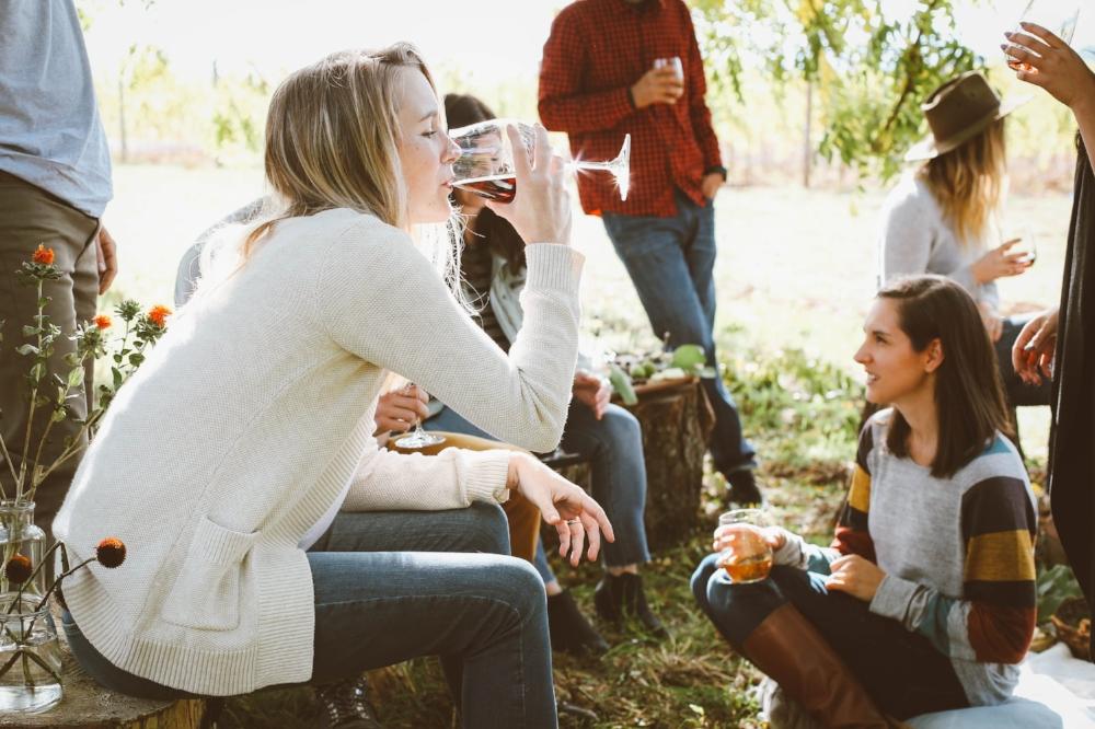 daytime-hen-party-activity-wine-tasting