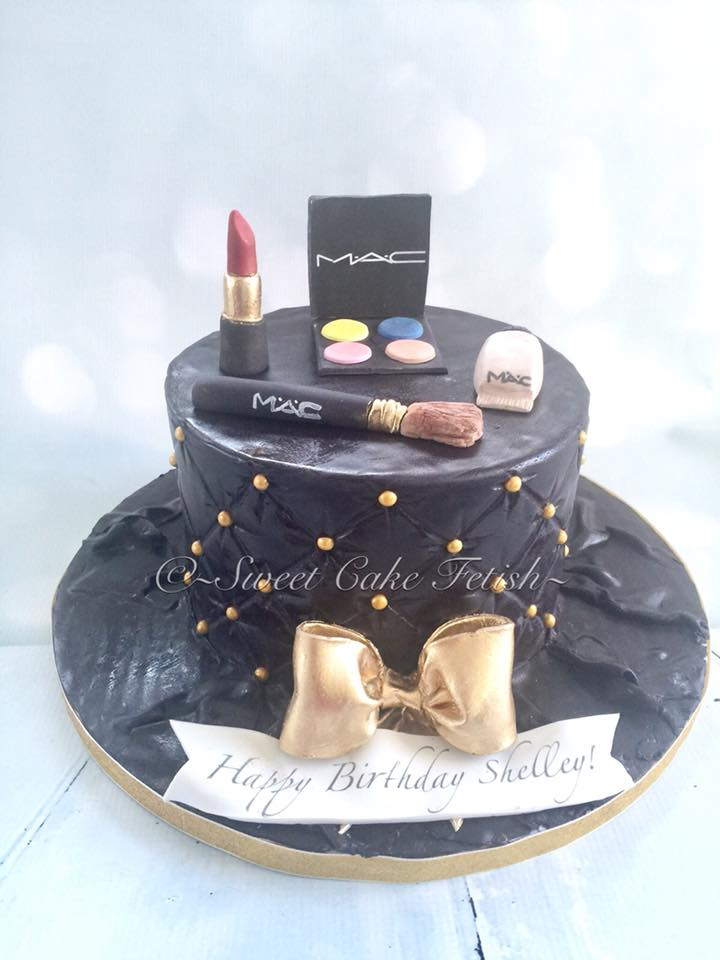 This week we had the pleasure in creating this beautiful and sassy make up themed birthday cake! Making the sugar makeup pieces was definitely fun! I am super happy with the end result and even more satisfied when our client loves her cake and posts this beautiful review;