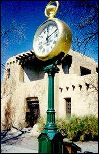 nm_santa_fe_the_spritz_clock_1.jpg