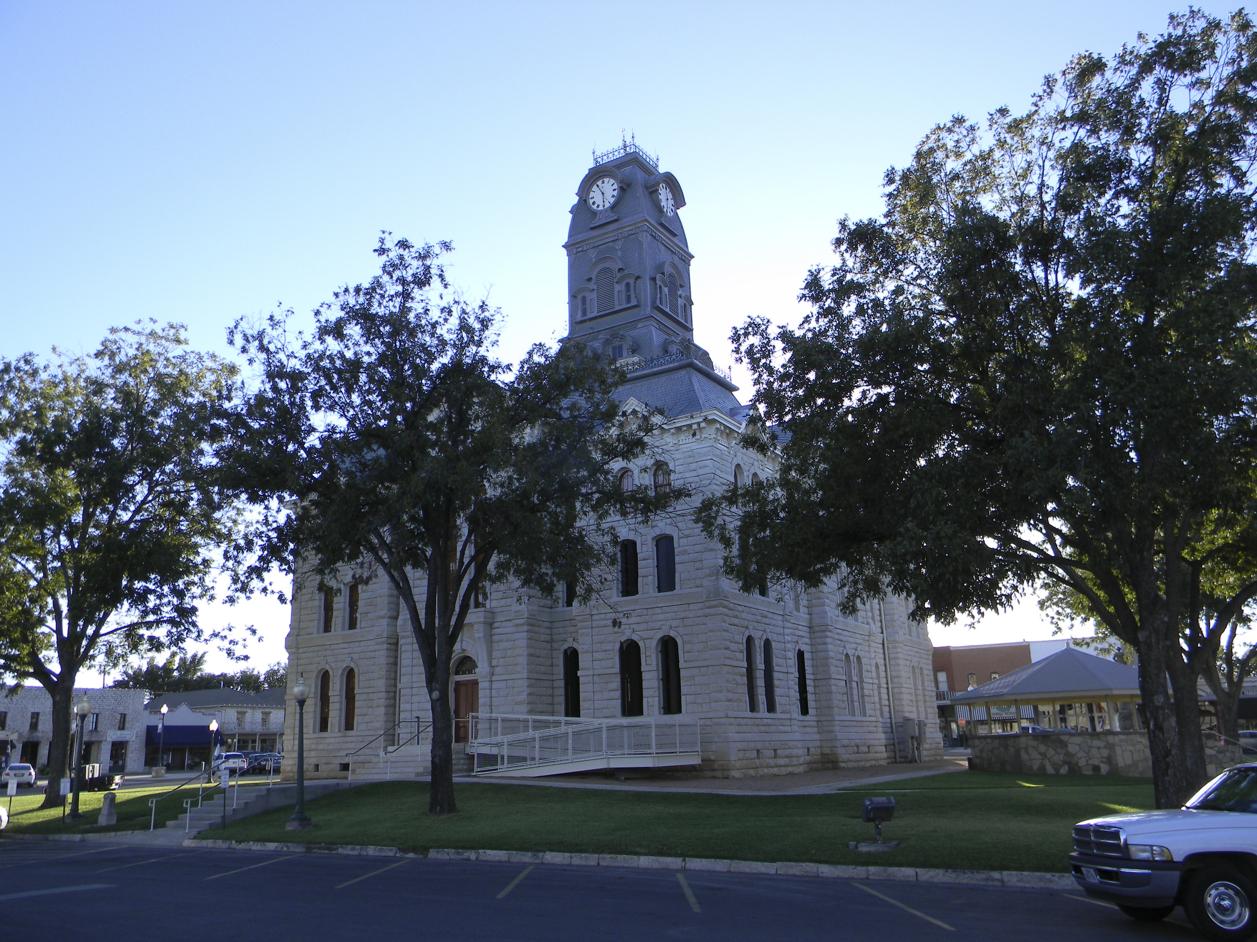 SAC_TX_HOOD_GRANBURY_courthouse_6-2012-Oct18.jpg