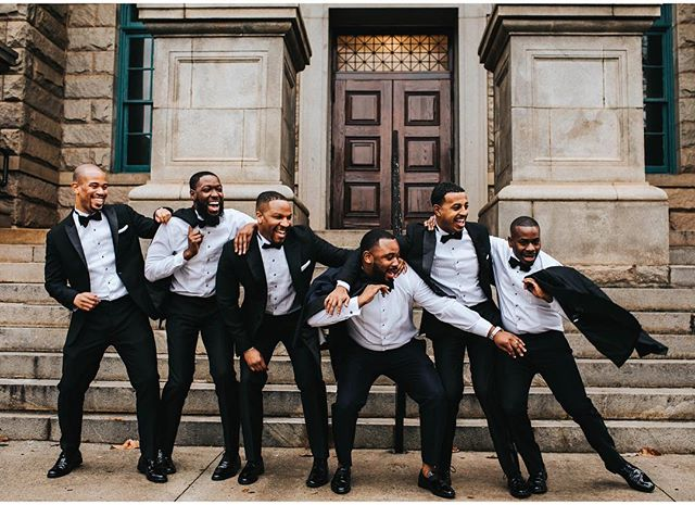 Nothing but good vibes from this group! #decaturcourthouseweddings • • @paulinaeppersonphotography