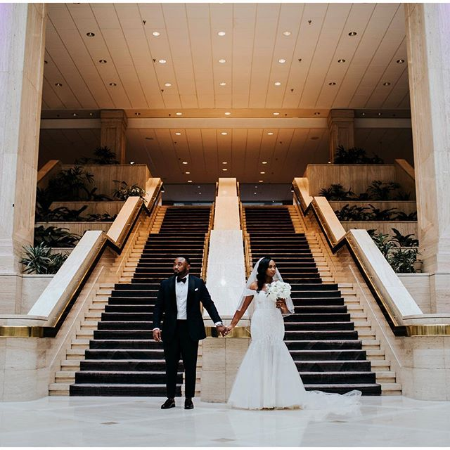 The great vibes continued throughout the day as Elizabeth and Jared celebrated their marriage at the Historic Dekalb Courthouse! #dekalbcourthouse #wedding