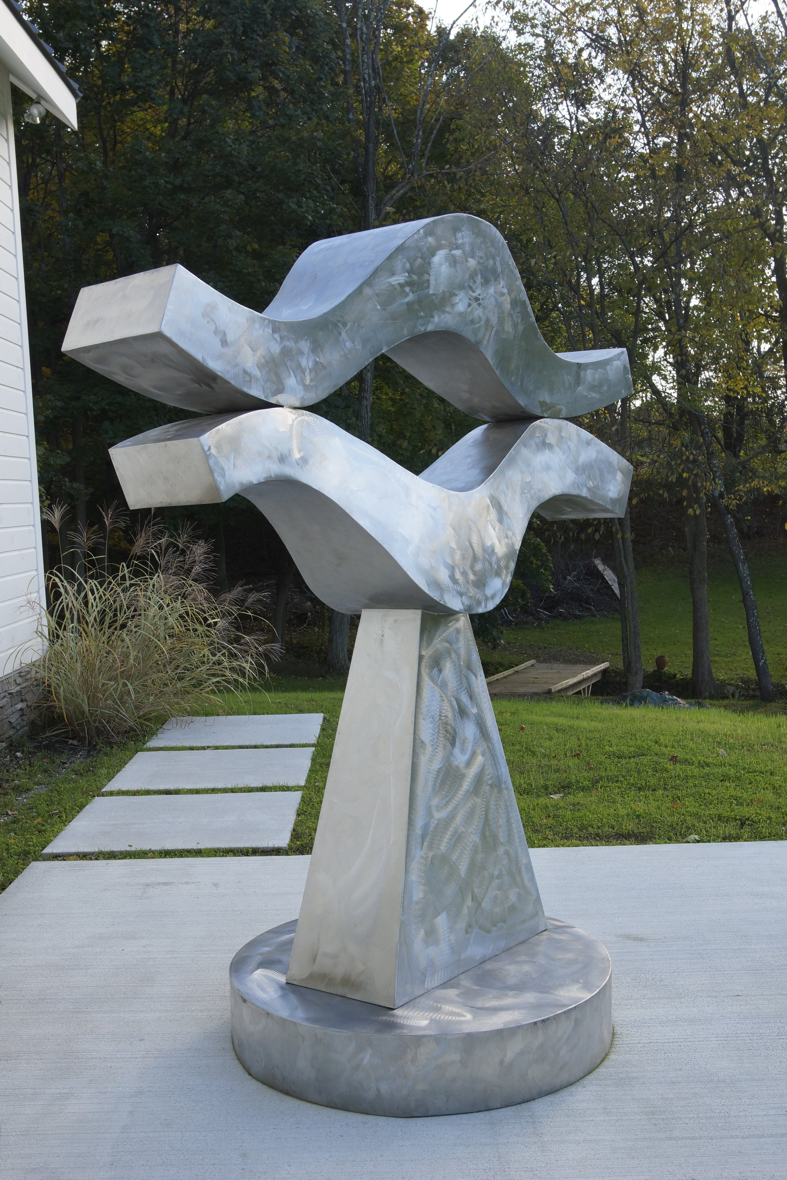 Lips, 1986  , stainless steel, 96 x 72 x 24 inches, installation at Vallarino Fine Art, Studio, Millbrook, NY