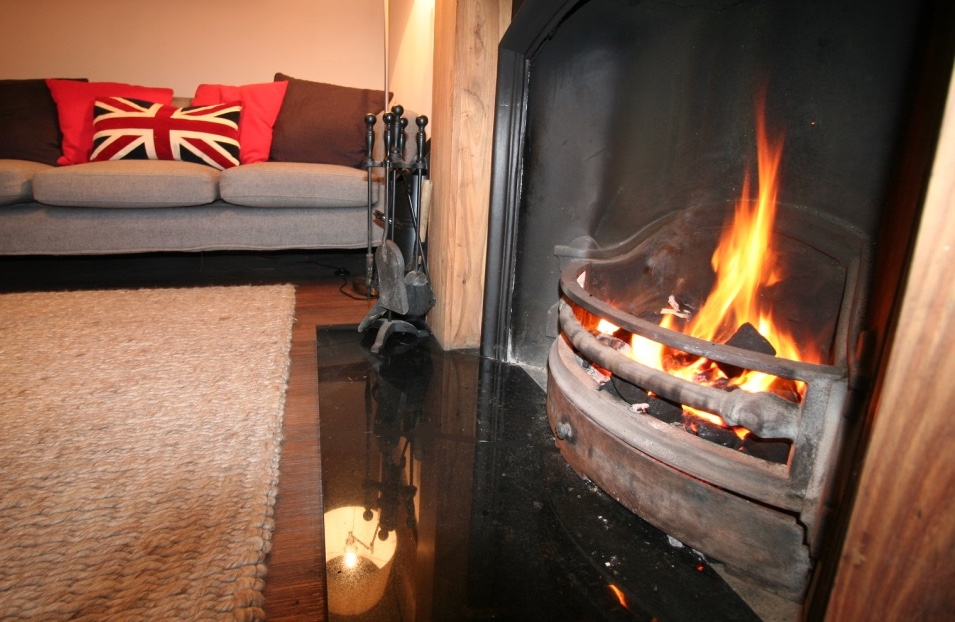 Crook cottage fire.jpg