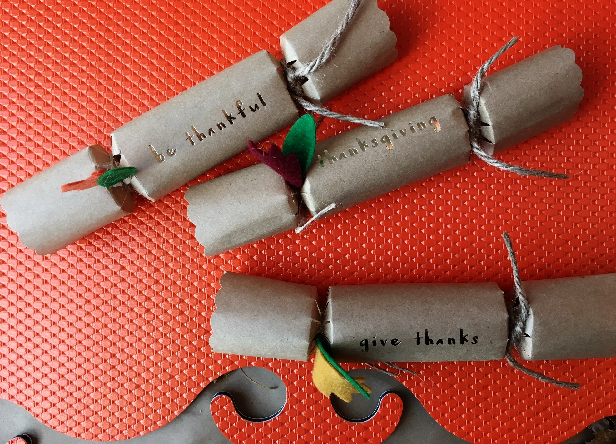 Fun and Festive Thanksgiving Crackers!
