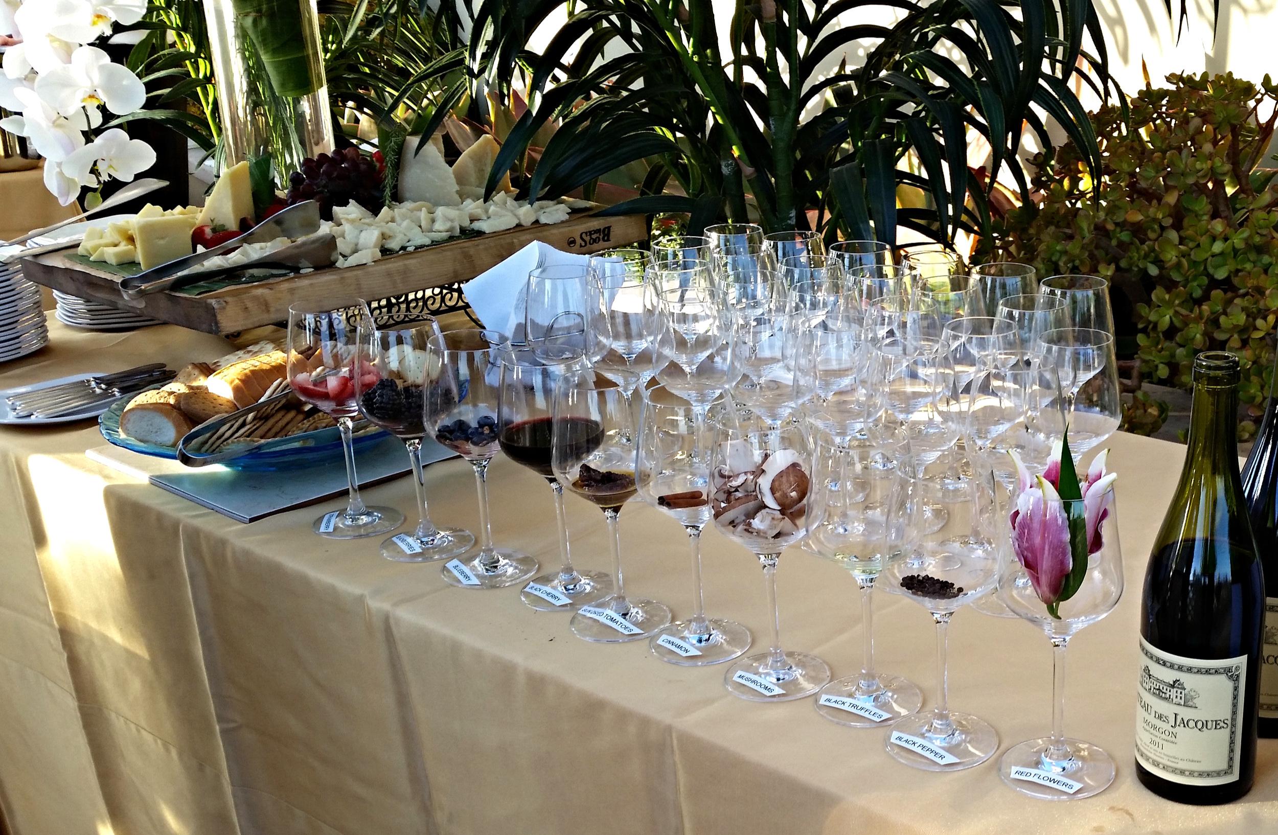 Wine+Tasting+Station+Reception+Sommelier
