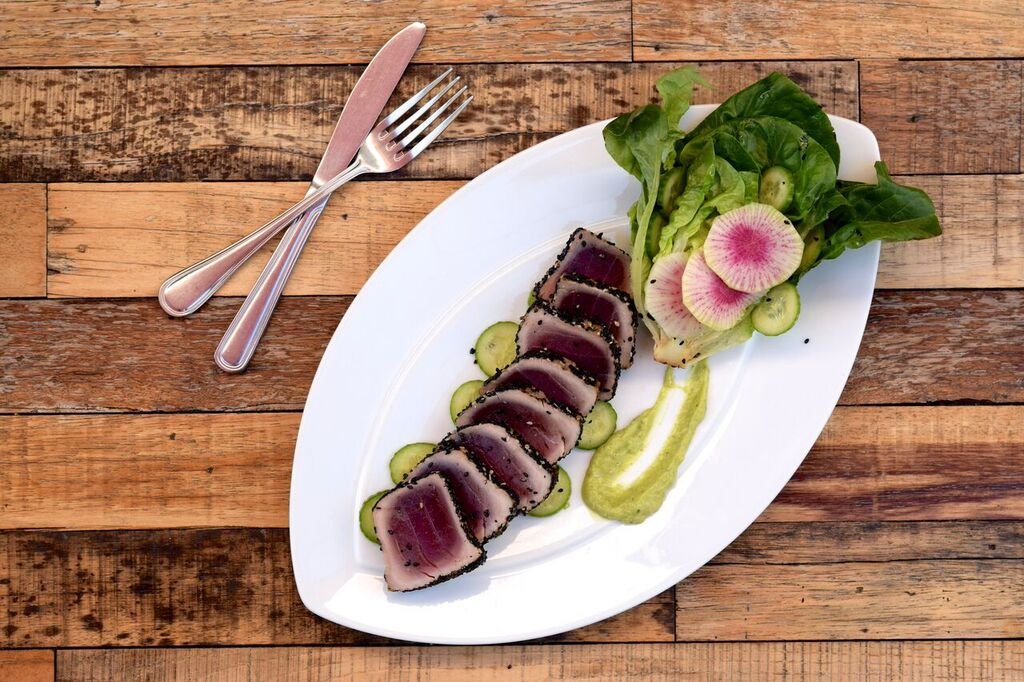Seared Tuna from Model Meals | photo courtesy of 100eats