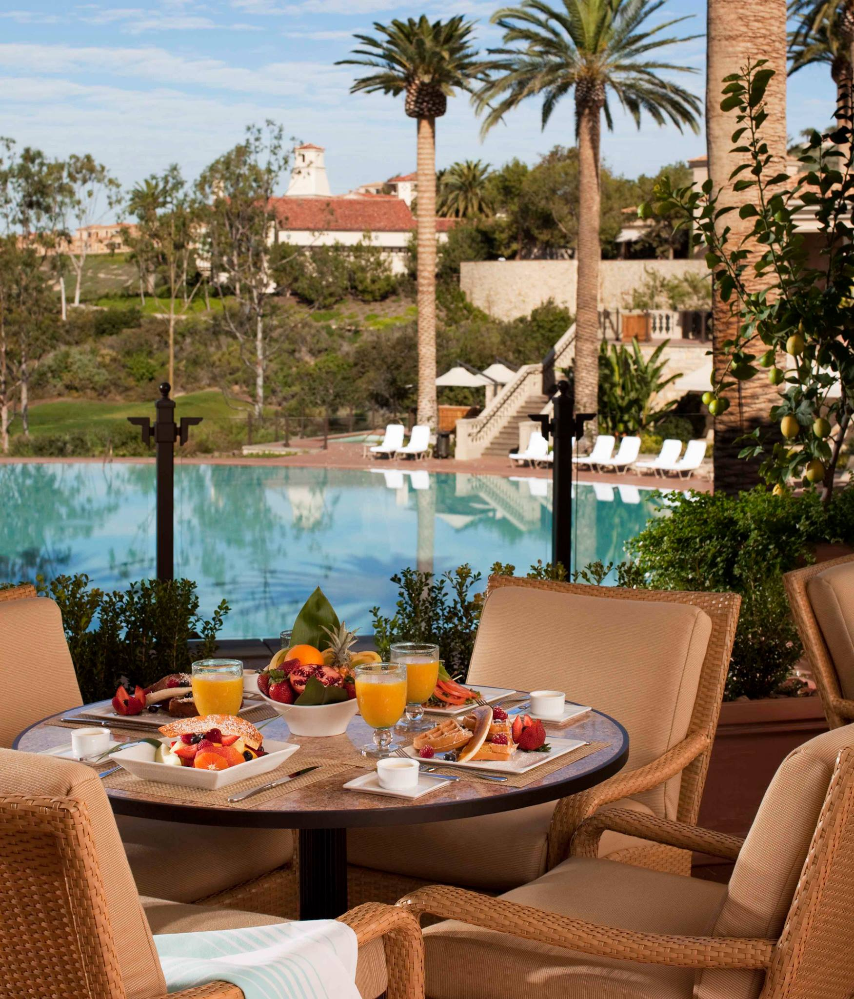 Enjoy a sunny weekend meal with the whole family | photo courtesy of Coliseum Pool & Grill