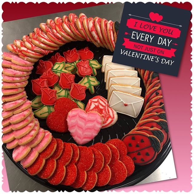 Early treat for Valentine's Day...why not, ❤️ is everyday if you're with the right people! 🥰  Rx always cooks with 💜 - 703-535-6955  #rxcateringdc #wecookwithlove #valentines #valentine #valentinefood #cateringlife #catering #cookies #cookiesforvalentines #valentinescookies #letusdothecooking #smallbusiness #smallbiz #blackownedbusiness #womanownedbusiness #womanownedsmallbusiness