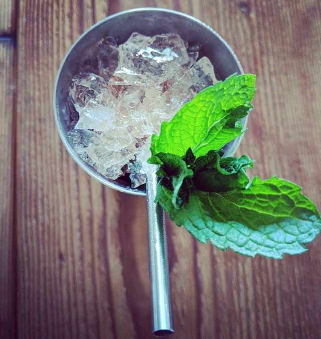 It's a warm winter day in SF and my mint is out of control, so I went for the Apricole Swizzle, courtesy of @cocktailwonk!