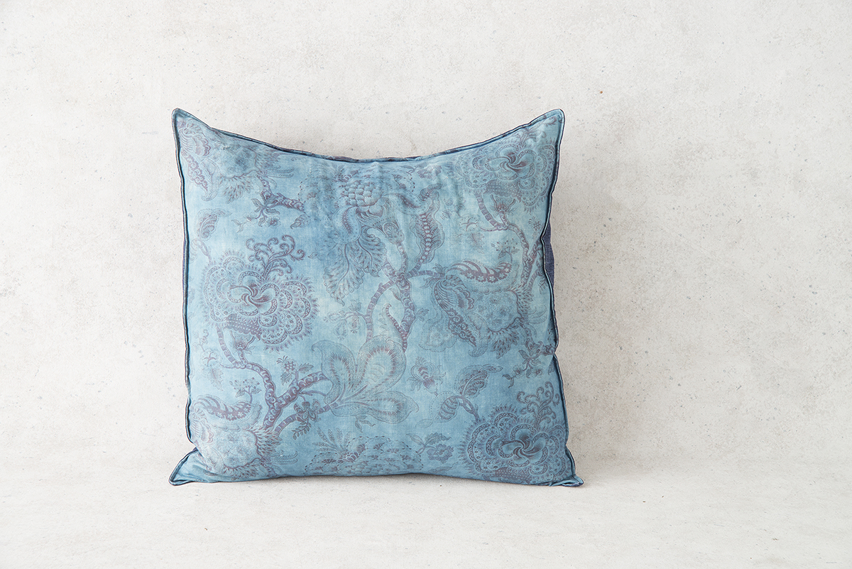 LowRes_ACutting_Pillows__1368.jpg