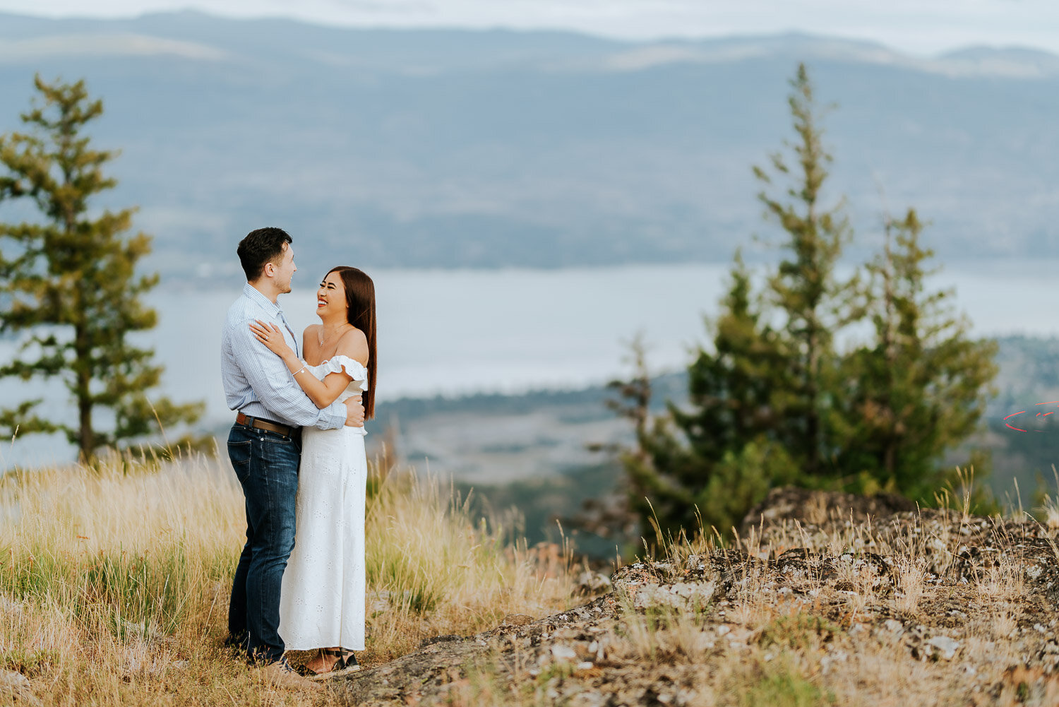 kelowna-helicopter-engagement-shoot-11.jpg