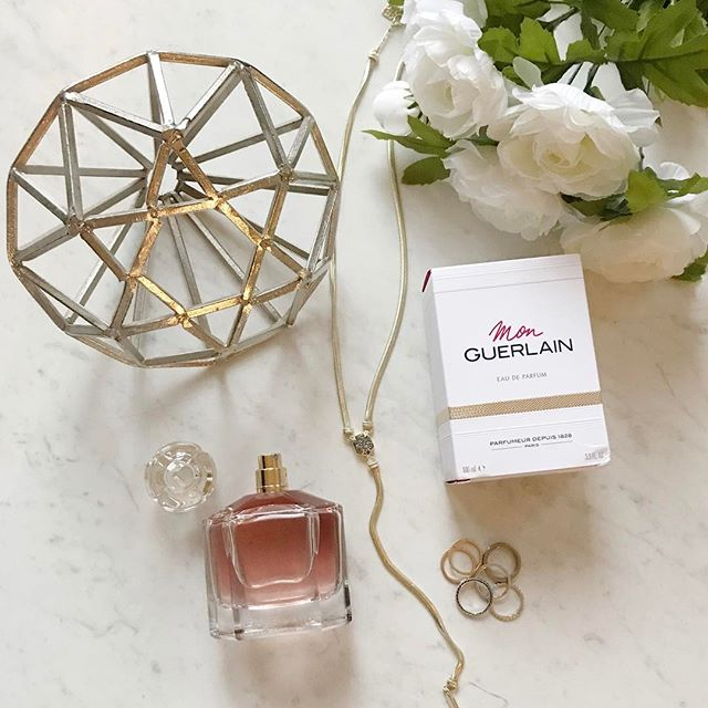 I love trying new scents and this one from @guerlain  did not disappoint! If you're a fan of vanilla-like scents then Mon Guerlain is for you! Definitely give it a try, I highly recommend. #giftbyguerlain