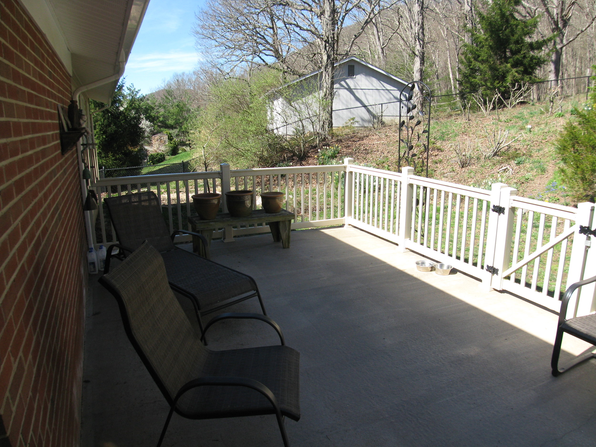 Rear Deck off Family Room/Dining