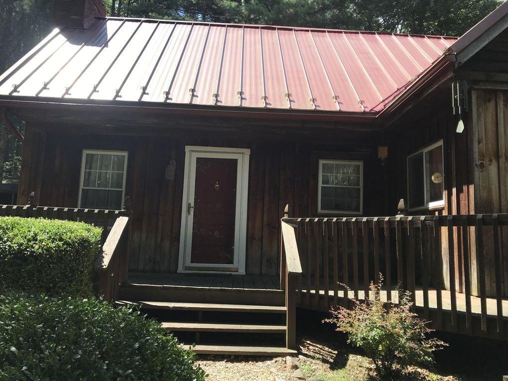 418 Creekside Dr Front Porch.jpg