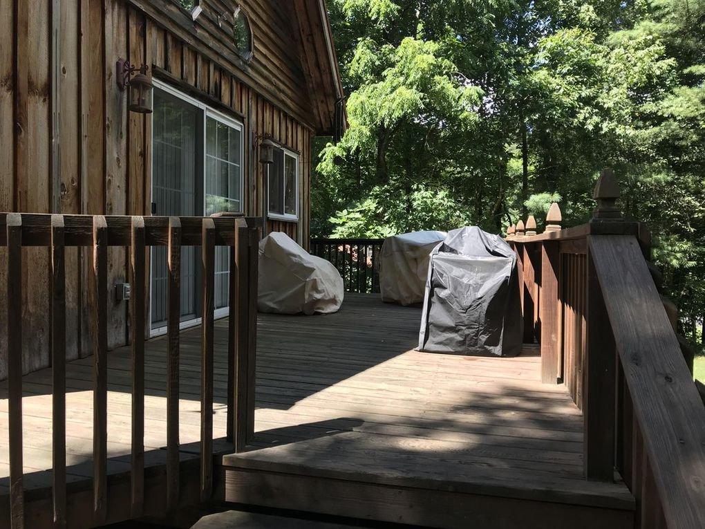 418 Creekside Dr Porch.jpg