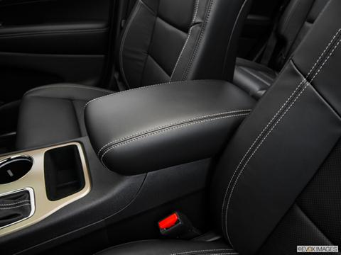 2016-jeep-grand cherokee-console_11070_140_480x360.jpeg