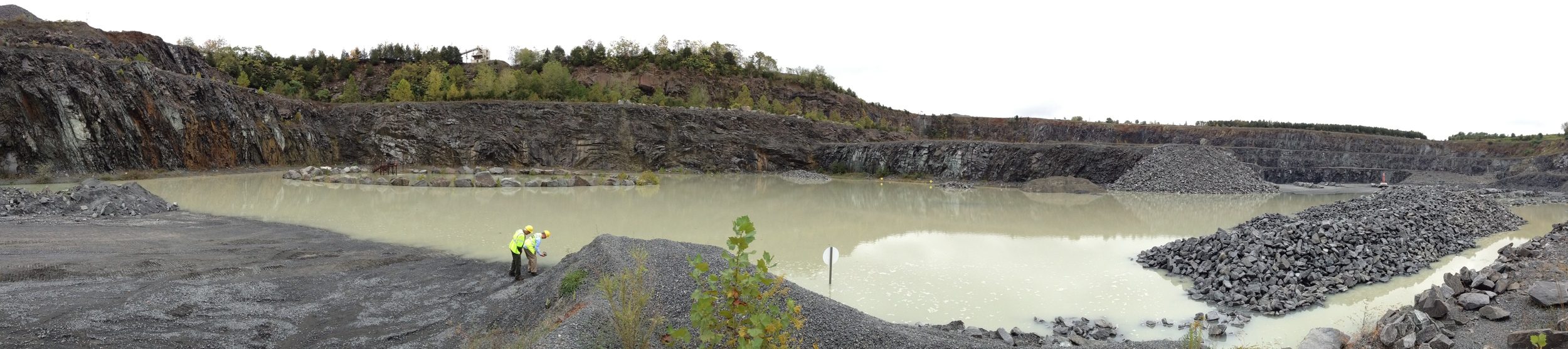 DDOT and NPS representatives inspect stone at the Luck Stone Goose Creek Quarry in Leesburg, Virginia on Wednesday.