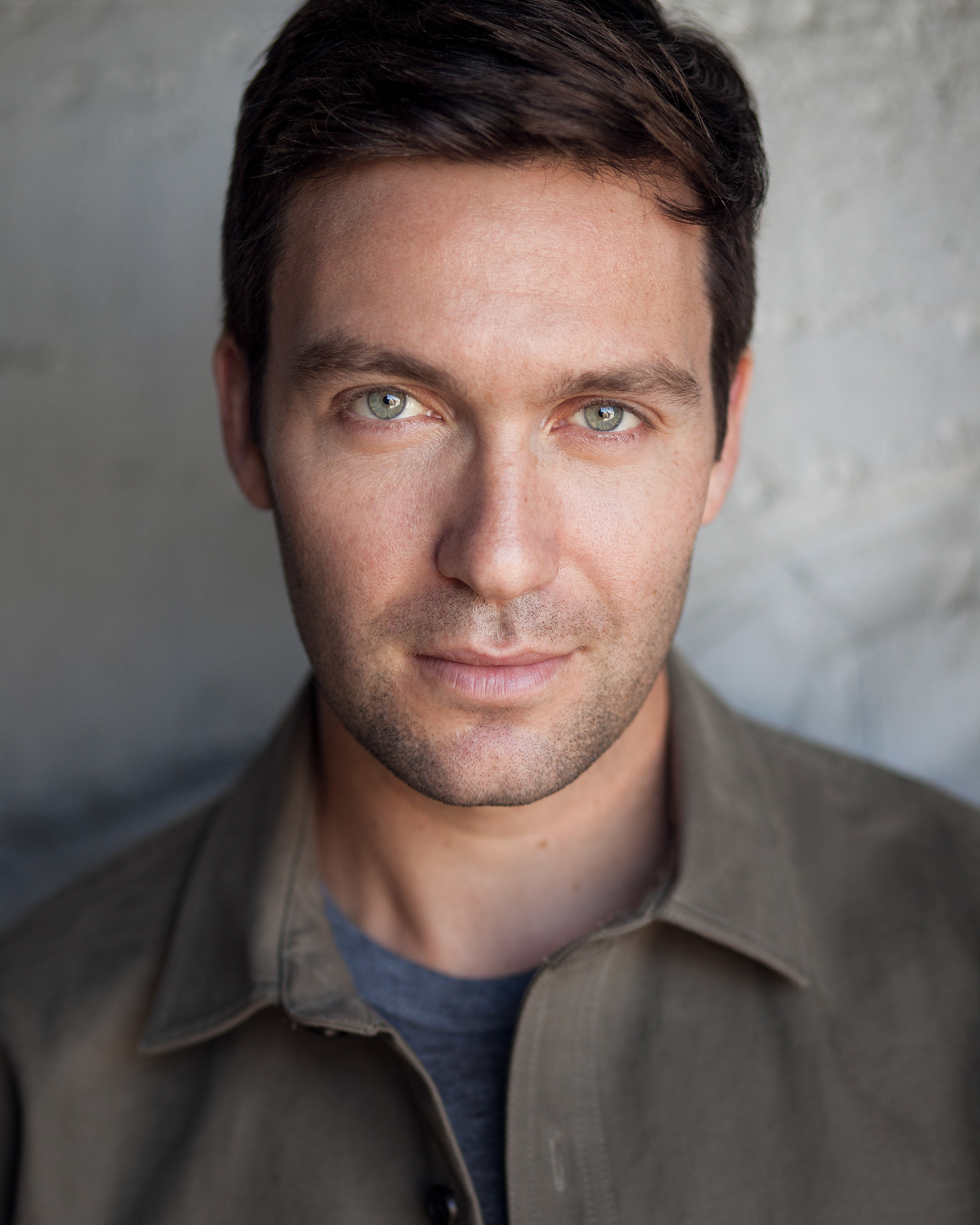 Danny_Binstock_hazel_eyes_actor_headshot.jpg
