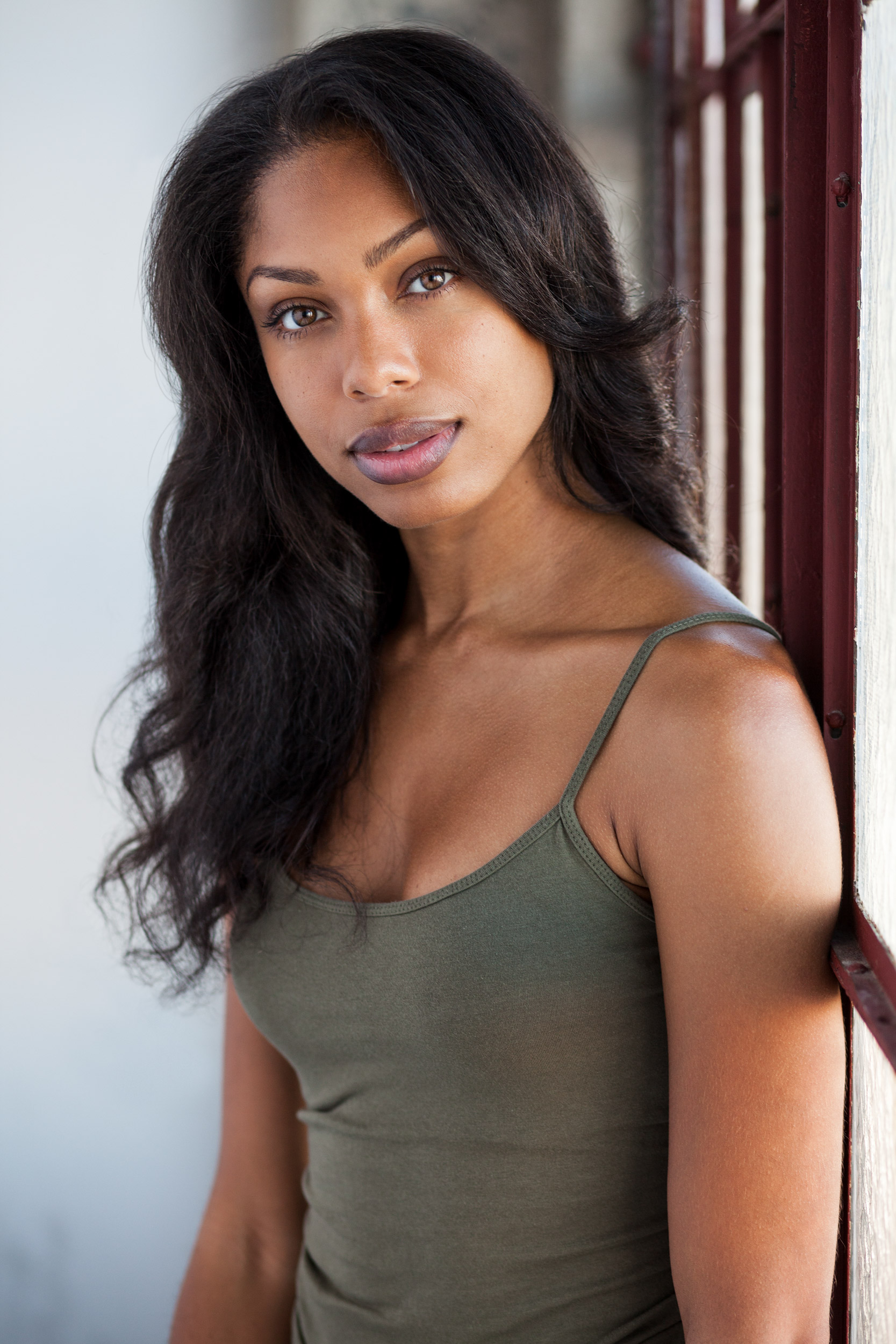 Nayriah_Teshali_model_actress_headshot.jpg