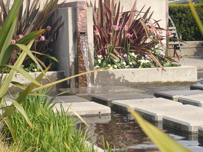 Bayshore Development water feature - Vincent Helton 3.jpg