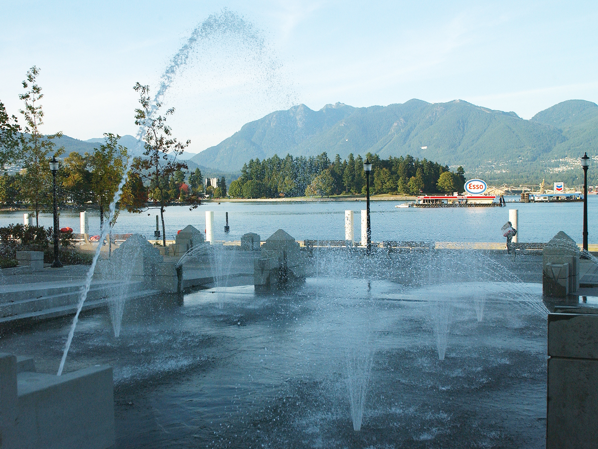 Harbour Green Park Water Feature - Vincent Helton 2.jpg