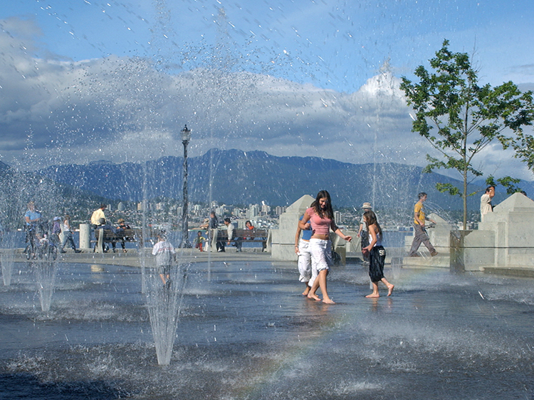 Harbour Green Park Water Feature - Vincent Helton 4.jpg