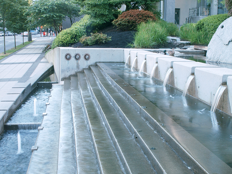 The Palisades water feature - Vincent Helton 3.jpg