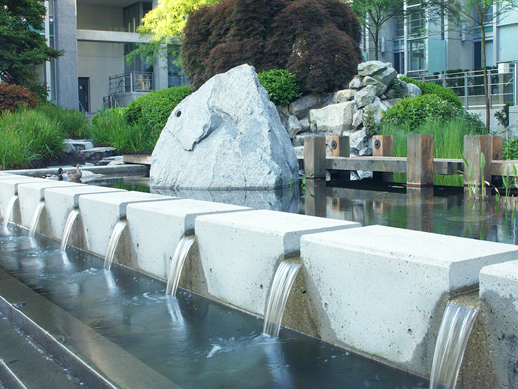 The Palisades water feature - Vincent Helton 2.jpg