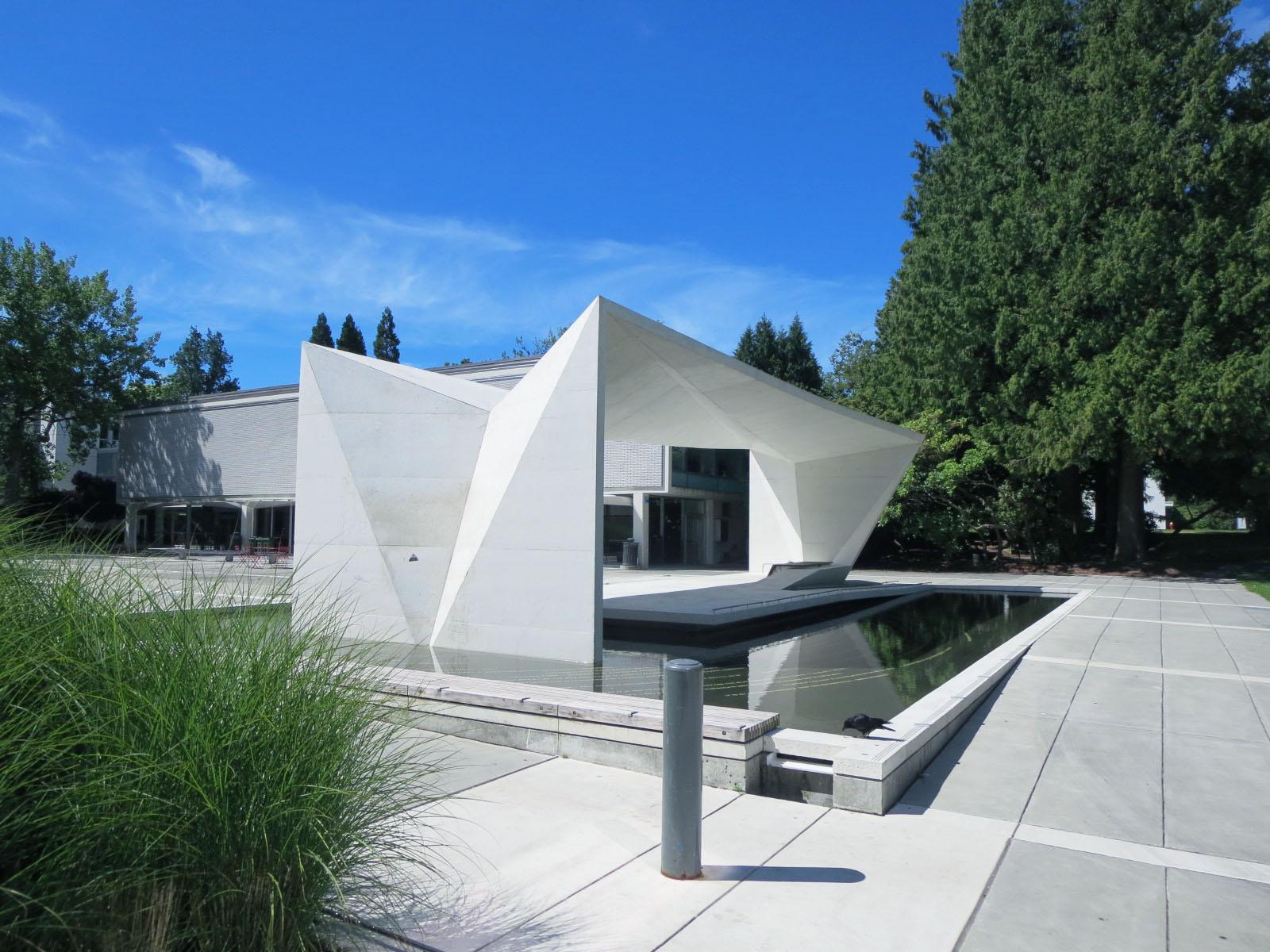 UBC Buchanan Building water feature - Vincent Helton 1.jpg