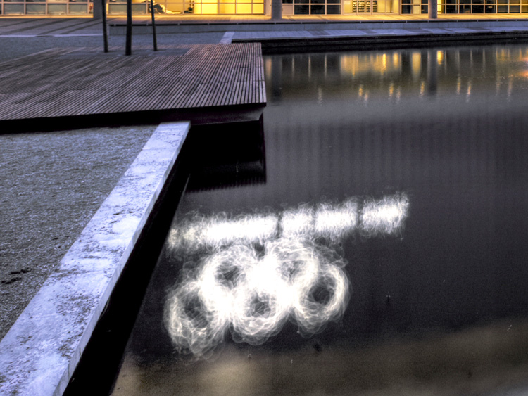 Richmond Olympic Oval water feature - Vincent Helton 5.jpg