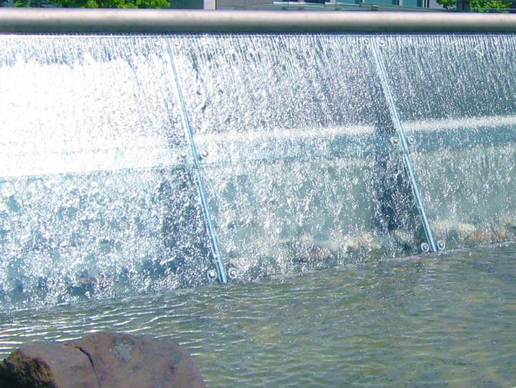Callisto & Carina water feature - Vincent Helton 6.jpg