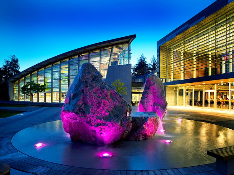 West Vancouver Aquatic Centre water feature - Vincent Helton 4.jpg