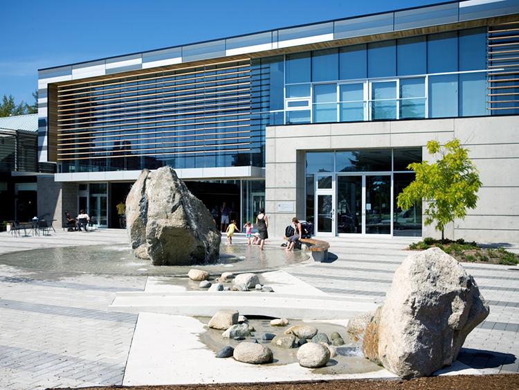 West Vancouver Aquatic Centre water feature - Vincent Helton 5.jpg