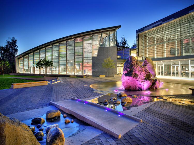 West Vancouver Aquatic Centre water feature - Vincent Helton 3.jpg