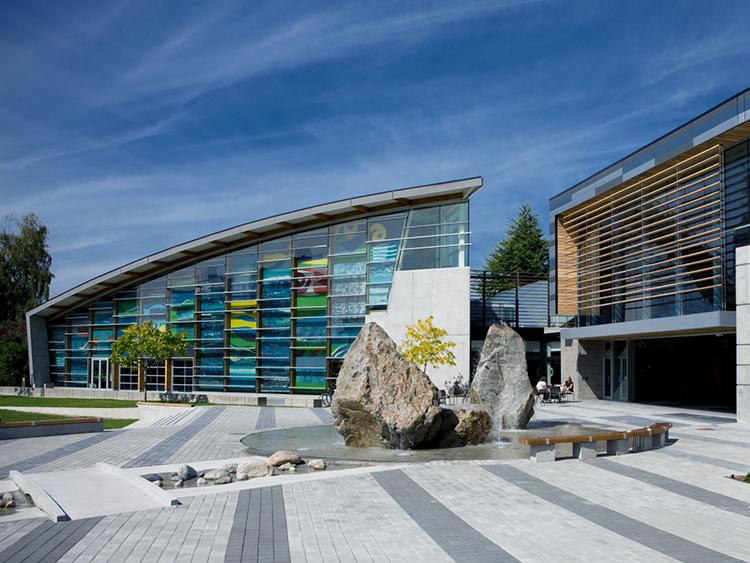 West Vancouver Aquatic Centre water feature - Vincent Helton 2.jpg