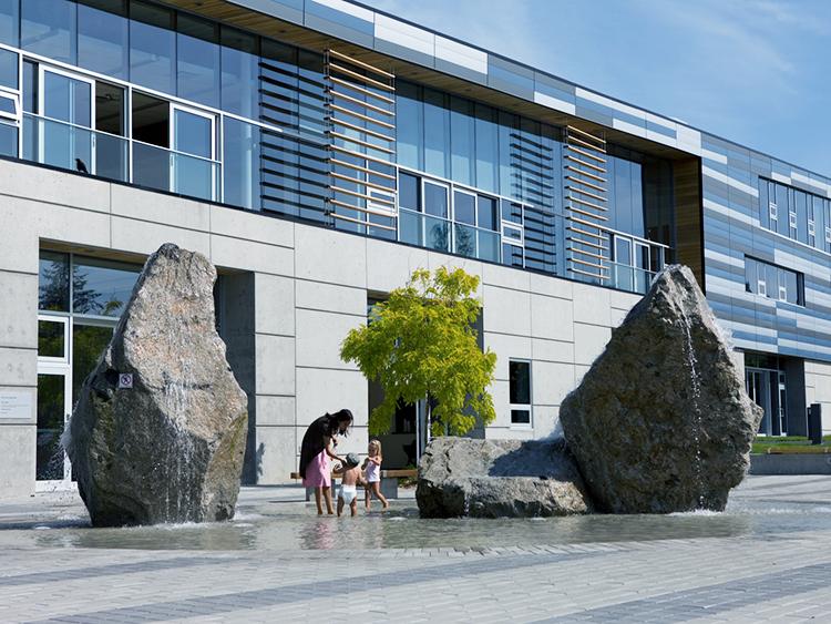 West Vancouver Aquatic Centre water feature - Vincent Helton 1.jpg