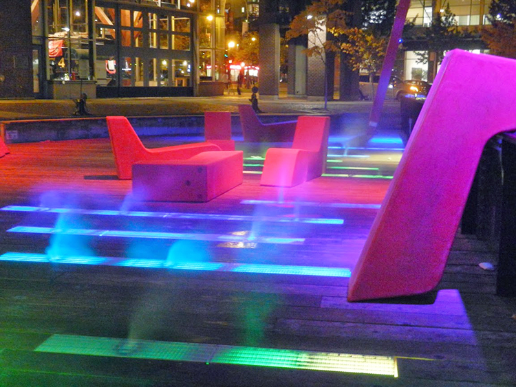 Roundhouse Turntable Plaza water feature - Vincent Helton 3.jpg