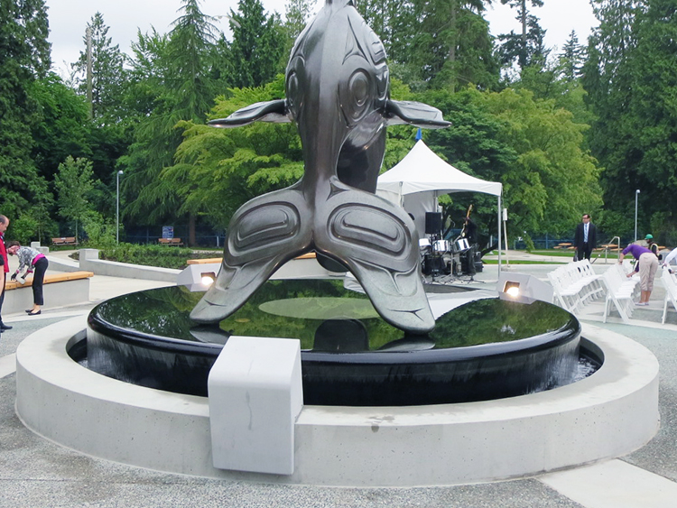 Vancouver Aquarium water feature - Vincent Helton 5.jpg