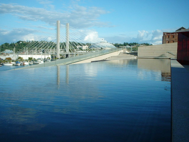 Tacoma Museum of Glass water feature - Vincent Helton 3.jpg