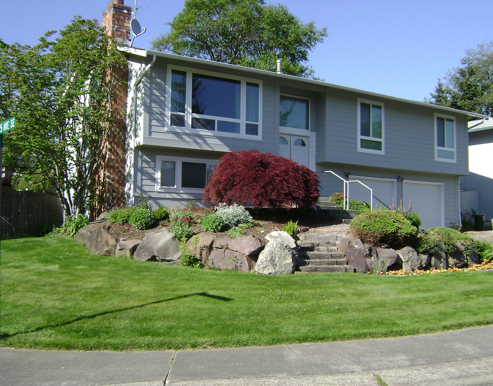 The finished exterior paint job for this home in Kent, Washington.