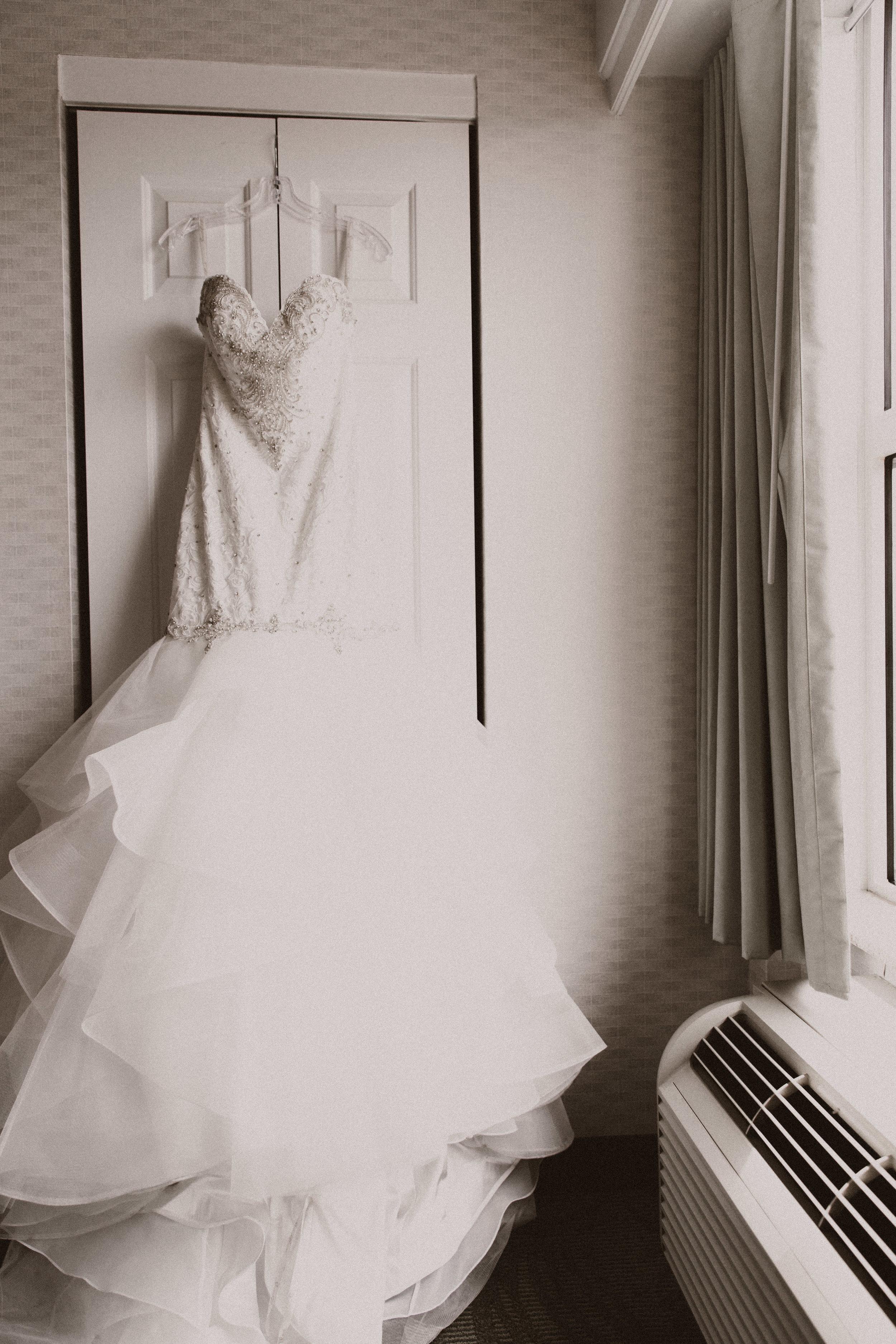 BUTLER, PA WEDDING PHOTOGRAPHER - 5W7A2975.jpg
