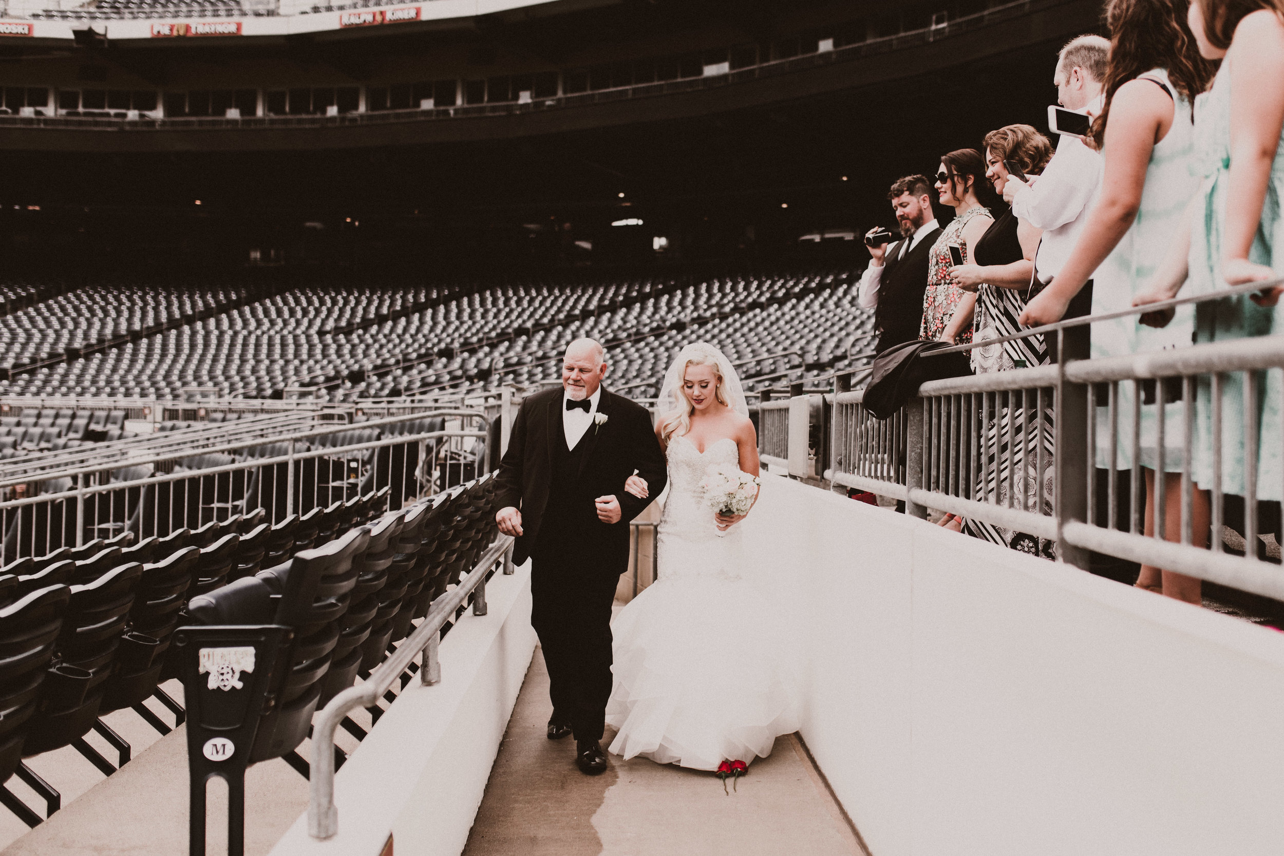 BUTLER, PA WEDDING PHOTOGRAPHER - 5W7A3451.jpg