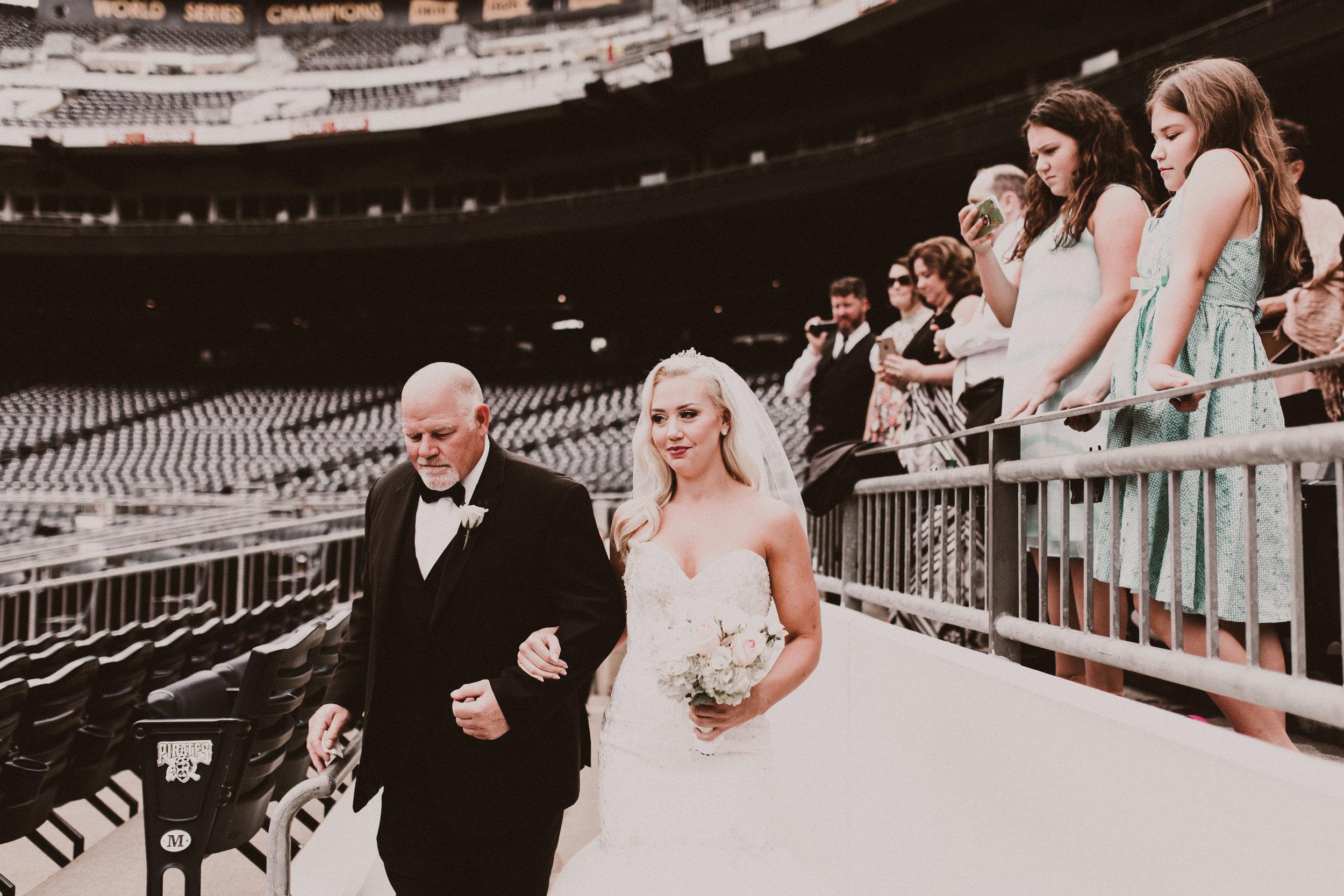BUTLER, PA WEDDING PHOTOGRAPHER - 5W7A3456.jpg