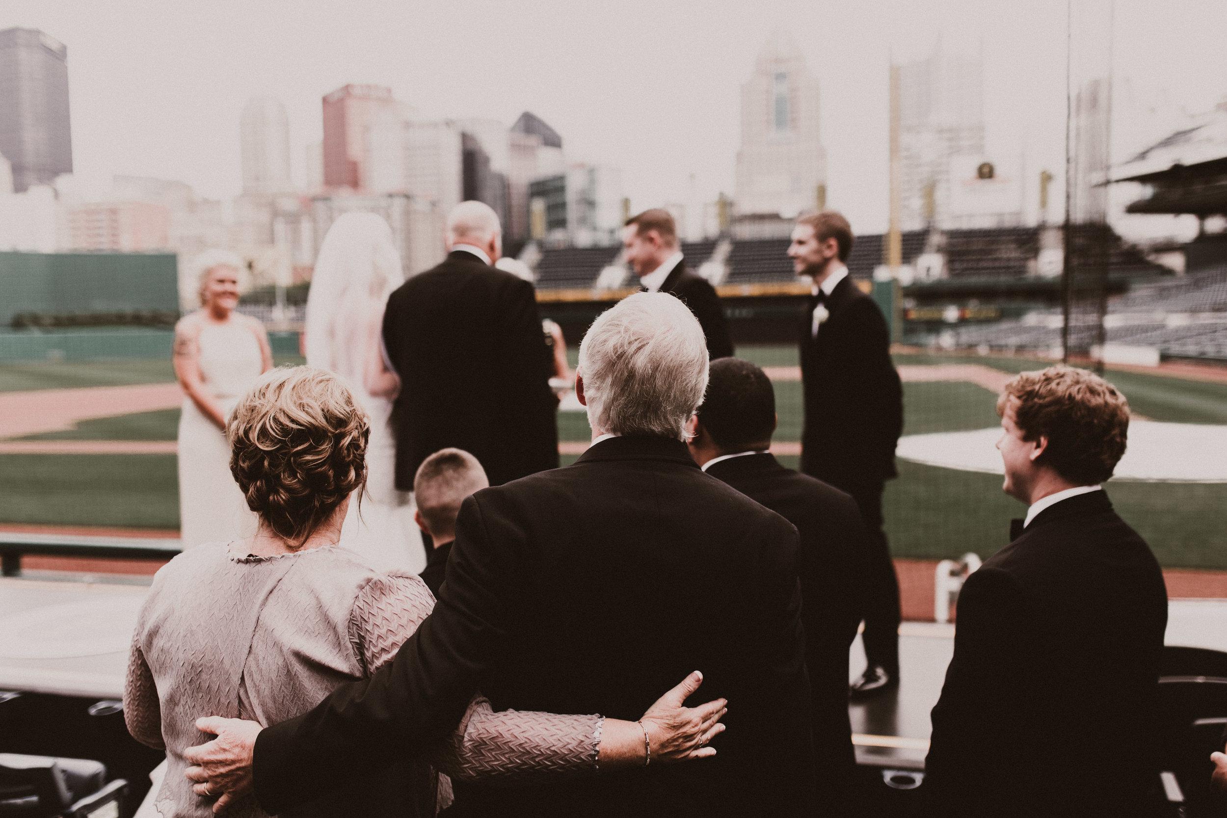 BUTLER, PA WEDDING PHOTOGRAPHER - 5W7A3470.jpg